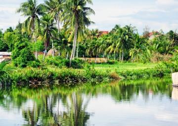Mekong delta - Cai Be ( Vinh long )  by Car